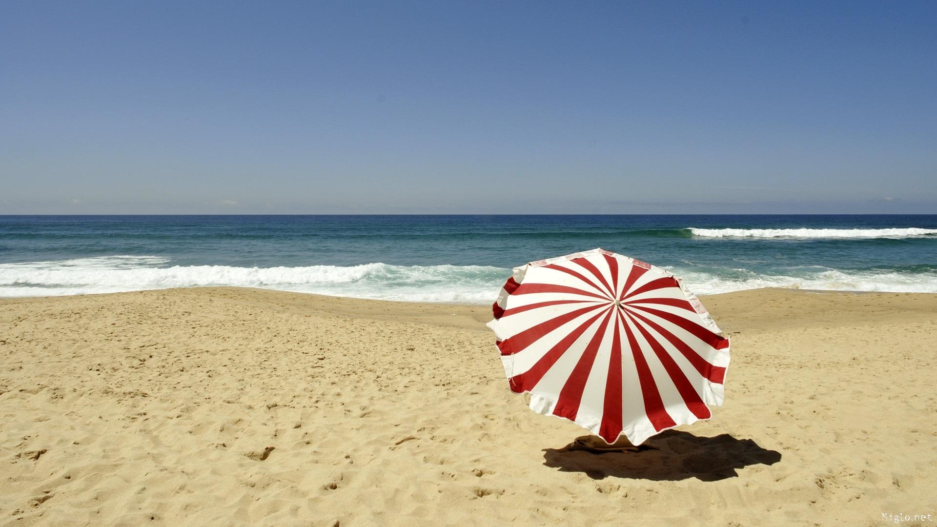 Parasol sur la plage 1920x1080
